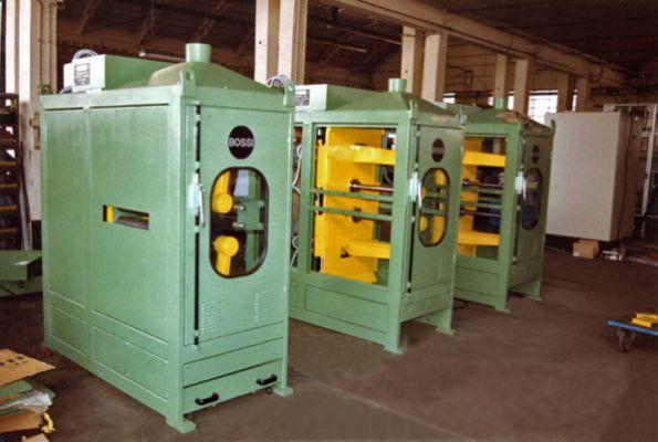 Bossi s r l macchine finitura metalli for Macchine da cucire piccole